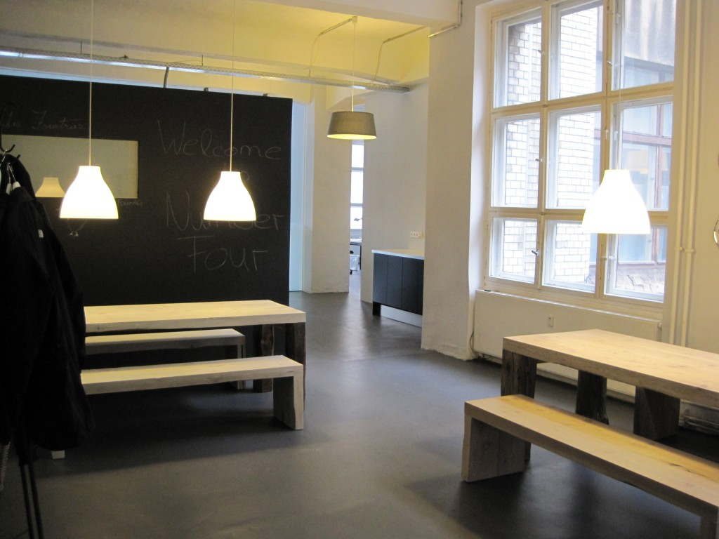 b ro loft berlinlaux interiors berlin. Black Bedroom Furniture Sets. Home Design Ideas