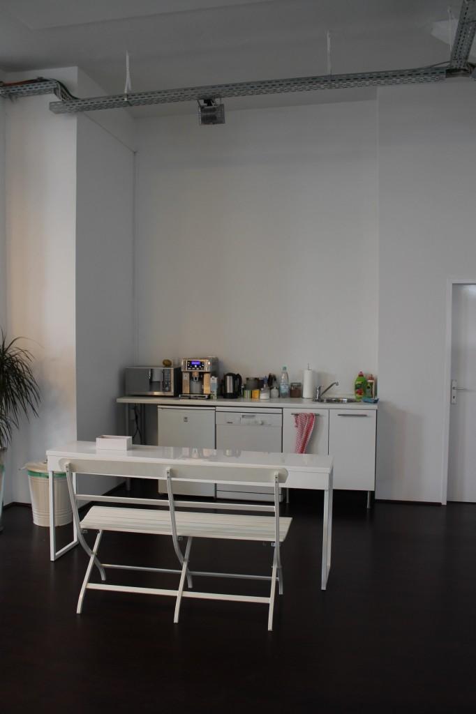 office loft kreuzberg k che vorher laux interiors berlinlaux interiors berlin. Black Bedroom Furniture Sets. Home Design Ideas
