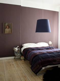 aubergine wall bedroom