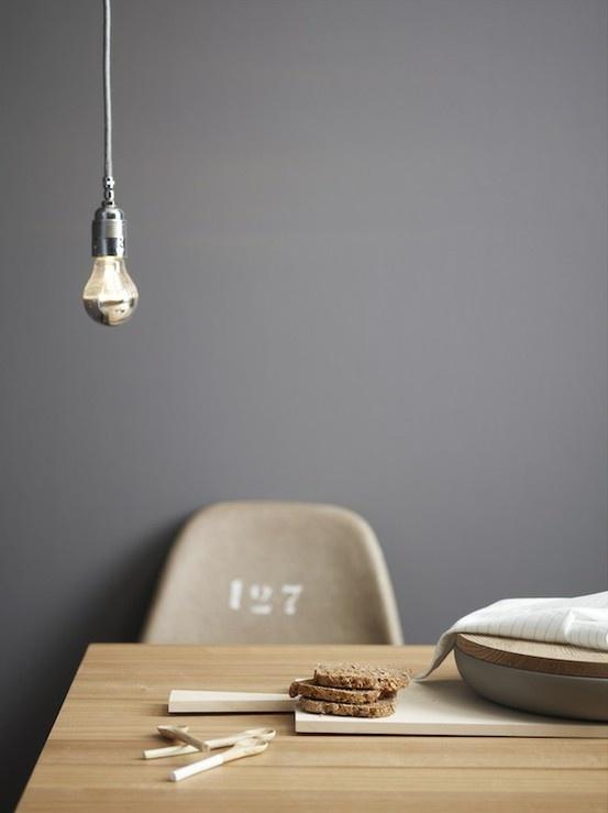 Einfach leben wie bleibt es gem tlich laux interiors - Graue farbe wand ...