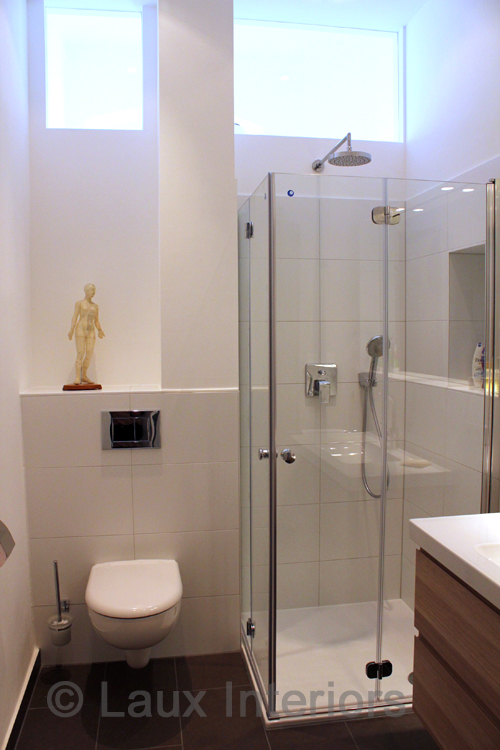 bad modernisiert vorher nachher laux interiors berlin. Black Bedroom Furniture Sets. Home Design Ideas