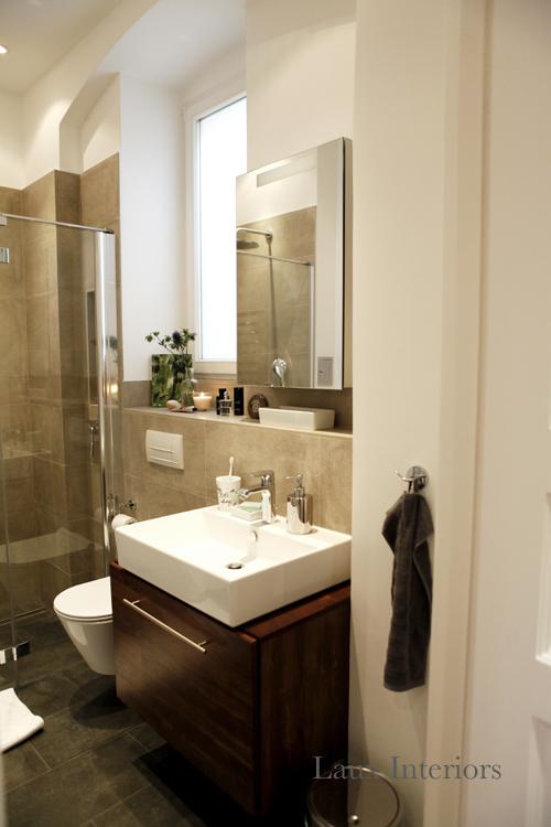 Dusche Ablaufrinne ?ffnen : Stauraum habe ich durch den Spiegelschrank mit LED-Beleuchtung und den